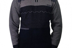 Heavy-knitted-pullover