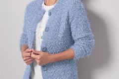 Women-heavy-knitted-cardigan